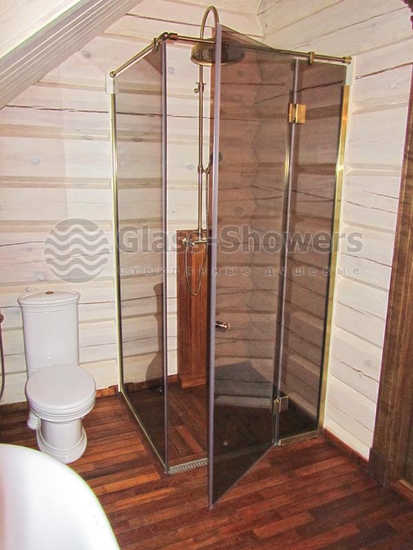 Дизайн душевой кабины в деревянном доме