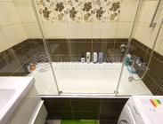 Стеклянная шторка на ванну из трех частей